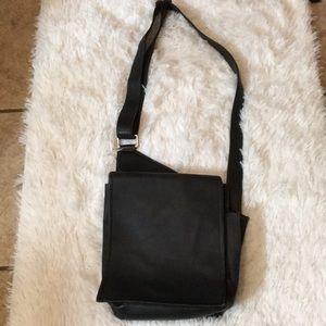 "Latico Leather Shoulder Bag 10""x8.5"" EUC"